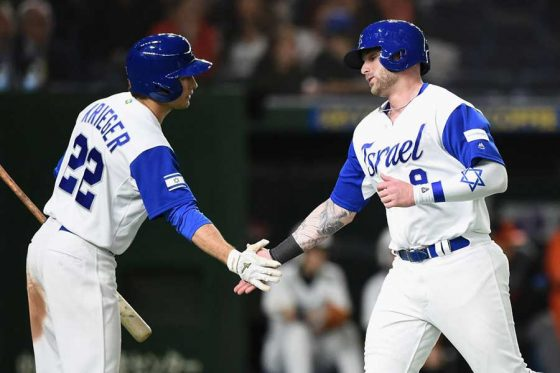 野球イスラエル代表に選出されているニック・リックレス(右)【写真:Getty Images】