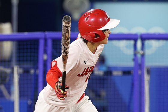 ソフトボール日本代表・渥美万奈【写真:Getty Images】