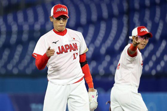 金メダルを獲得したソフトボール日本代表【写真:Getty Images】