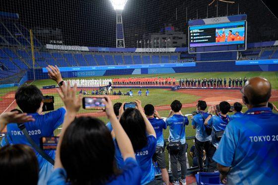 WBSCが東京五輪の野球・ソフトボール競技のスタッフに感謝の投稿【写真:AP】
