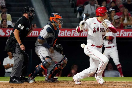 「1番・DH」で出場し、三塁適時内野安打を放ったエンゼルス・大谷翔平【写真:AP】