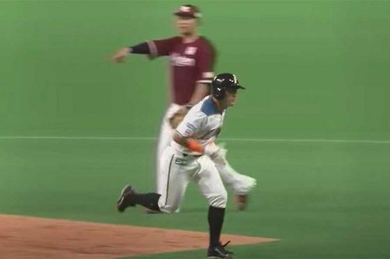 二塁ベースを空過したことを見逃さなかった楽天・浅村栄斗【画像:パーソル パ・リーグTV】