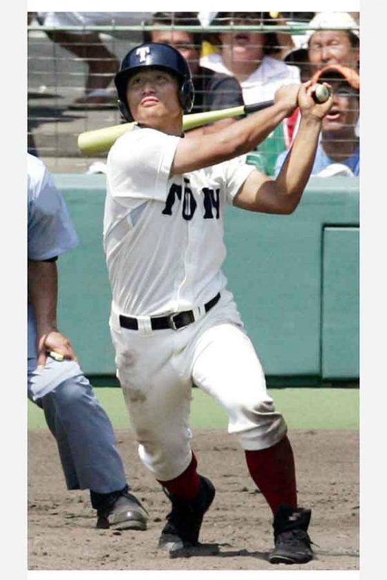 2005年夏の甲子園で1試合3本塁打を記録した大阪桐蔭・平田良介(現中日)【写真:共同通信社】