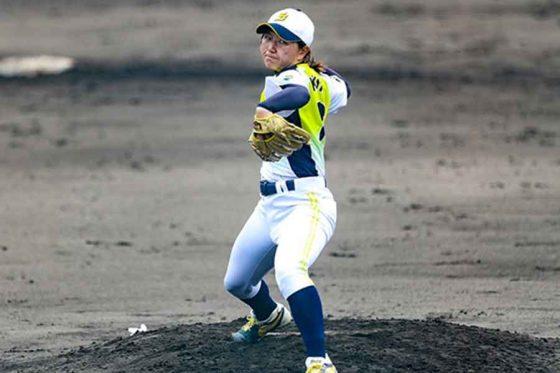 京都文教大の女子硬式野球部総監督・小西美加さん【写真:shochin16】