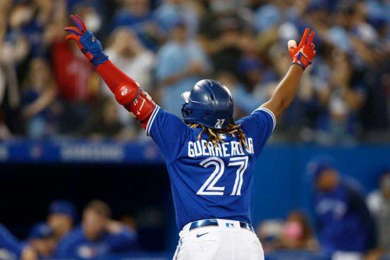 46号本塁打を放ったブルージェイズのブラディミール・ゲレーロJr.【写真:Getty Images】