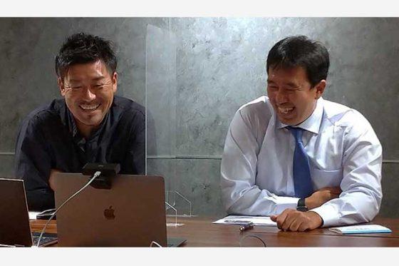 グループ観戦ミーティングに参加した黒羽根利規さん(左)と川井貴志さん【写真:(C)PLM】
