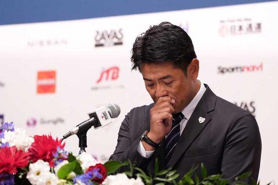 退任会見を行った侍ジャパン・稲葉篤紀監督【写真:荒川祐史】