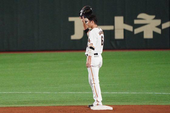 通算400二塁打を達成した巨人・坂本勇人【写真:荒川祐史】