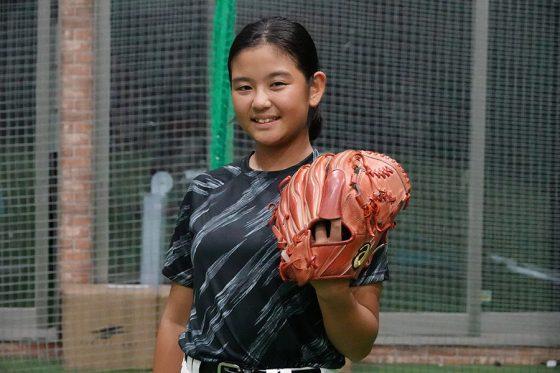 114キロを投げる女子小学生の濱嶋葵さん【写真:川村虎大】
