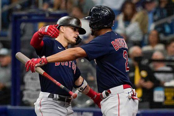 5安打3打点の大活躍を見せたレッドソックスのキケ・ヘルナンデス(左)【写真:AP】