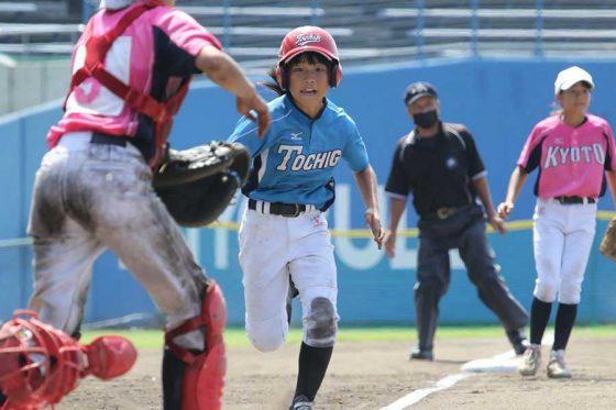 8月に愛媛県松山市で開催された「NPBガールズトーナメント」の様子【写真提供:(株)共同写真企画】