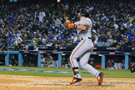ソロ本塁打を放ったジャイアンツのエバン・ロンゴリア【写真:AP】